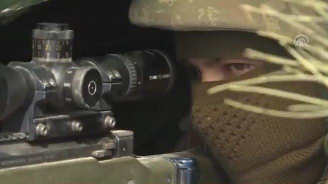 TSK'nın keskin nişancıları Afrin hattinda...