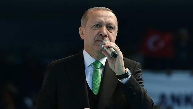 Cumhurbaşkanı Erdoğan: İstikbalimizi tehdit edeni ezer geçeriz dedi.